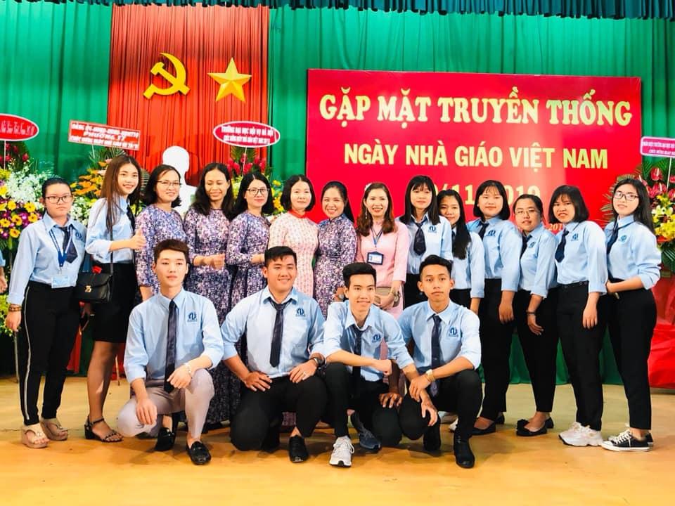 Giảng viên và sinh viên