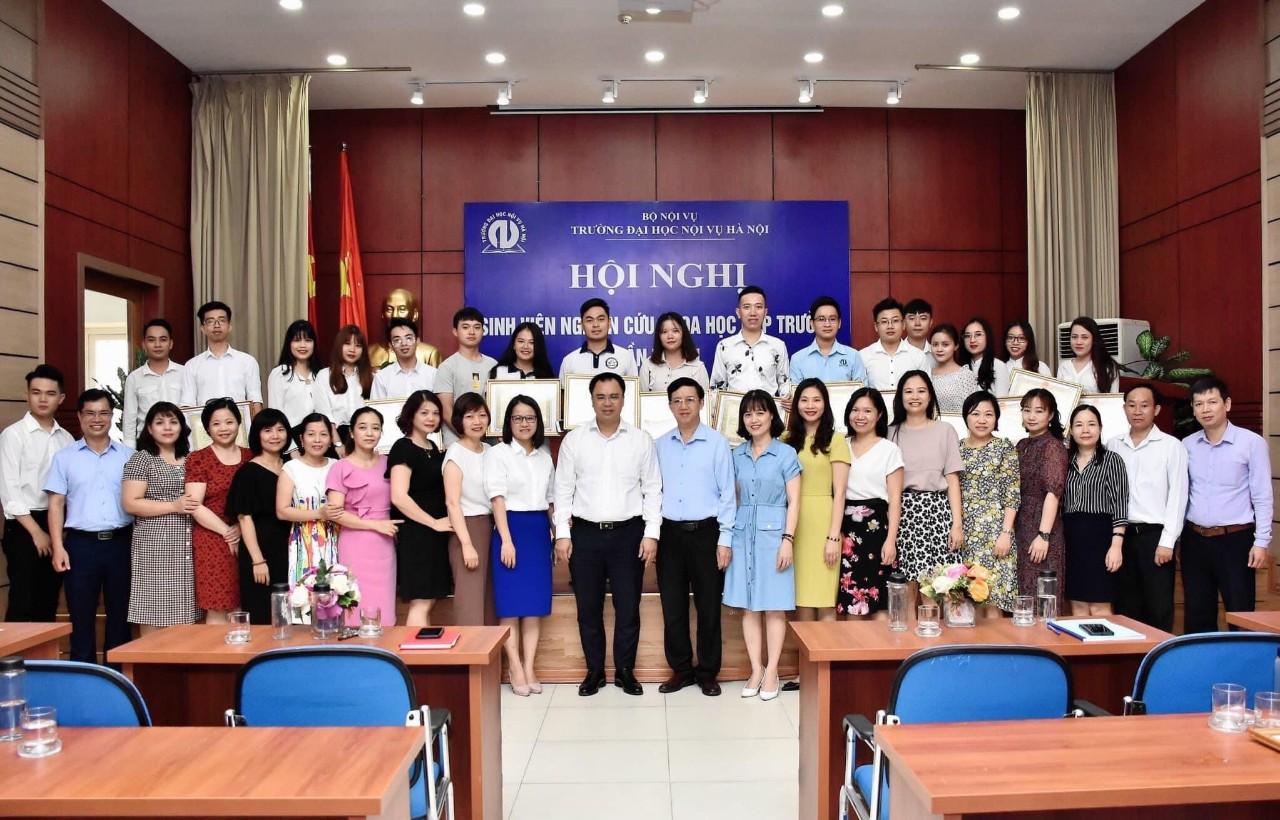 Hội nghị sinh viên nghiên cứu khoa học cấp Trường lần thứ VI