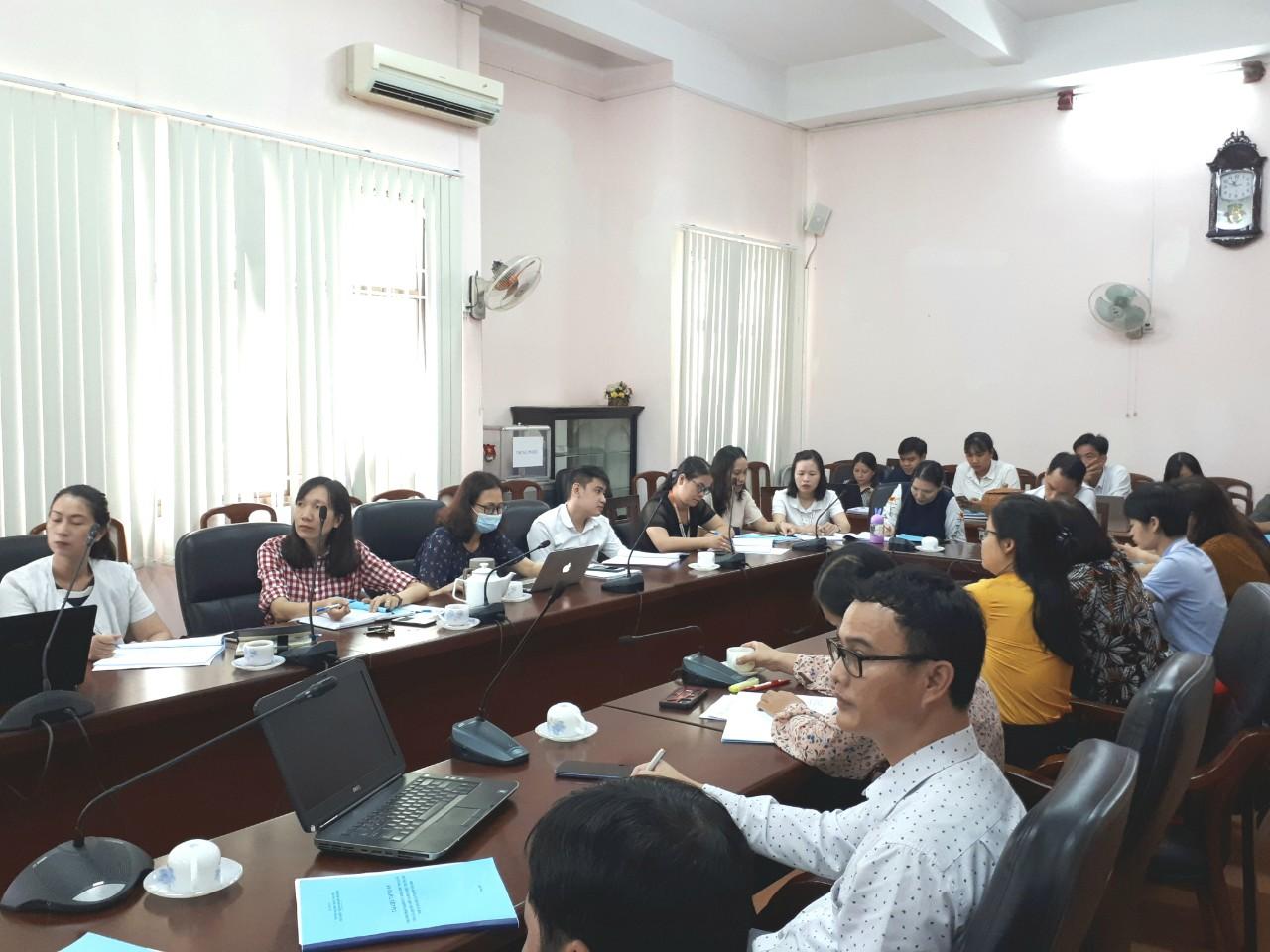 Giảng viên và viên chức Phân hiệu Trường Đại học Nội vụ Hà Nội tại Thành phố Hồ Chí Minh tham gia lớp tập huấn